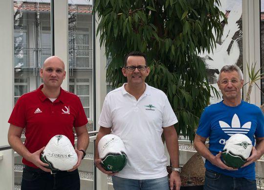 Ballübergabe Sportschule Oberhaching